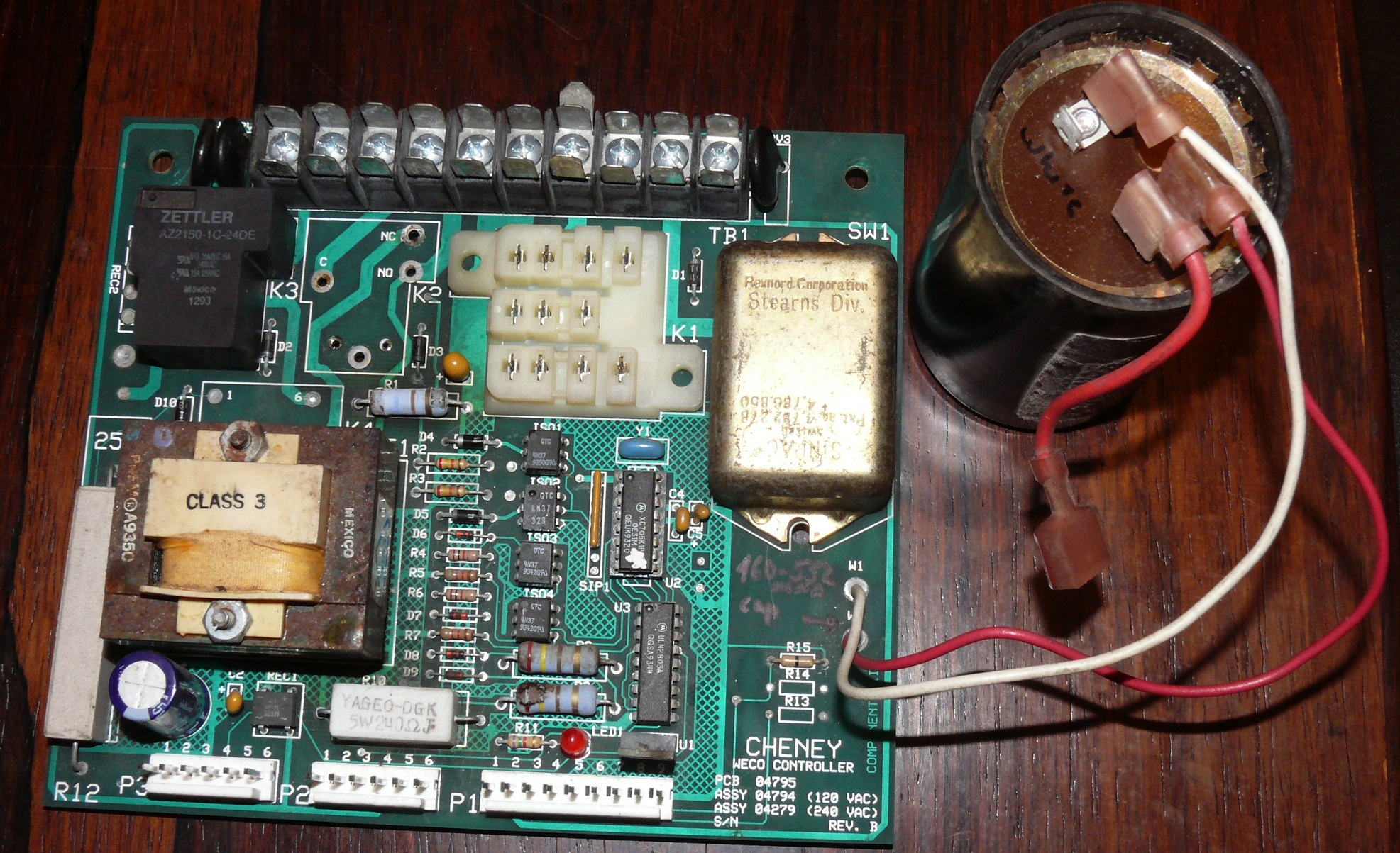 picture of the Cheny WECO controller circuit board (component side}